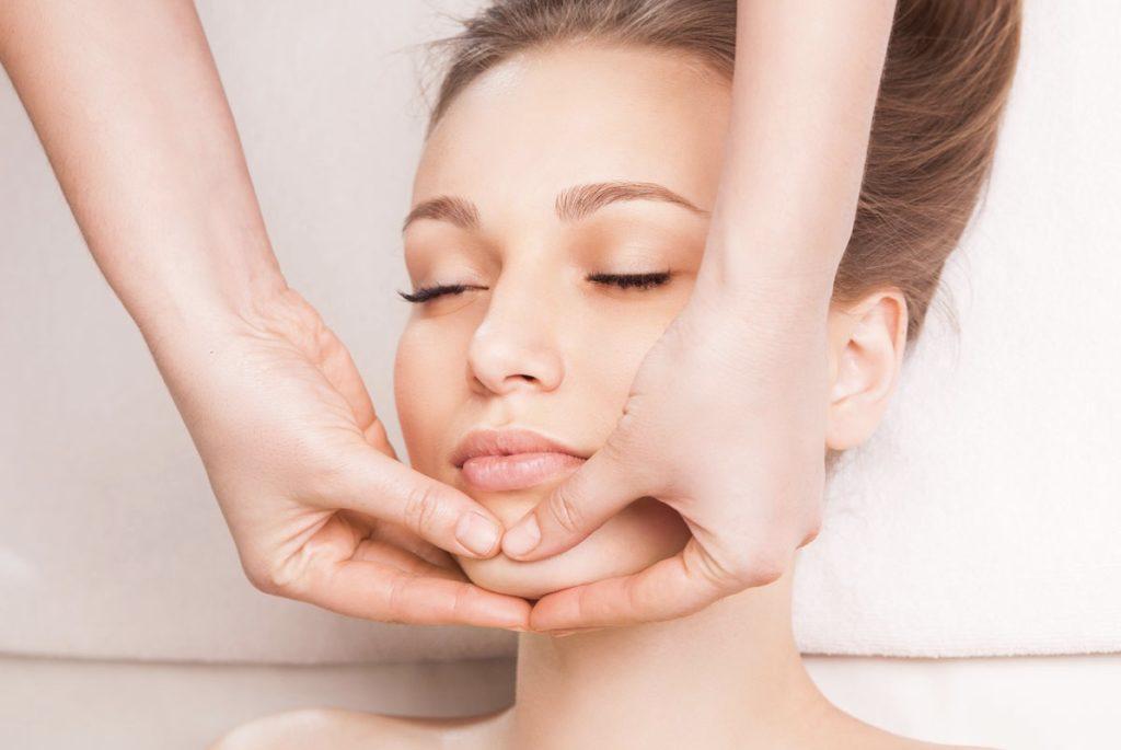 массаж после подтяжки лица